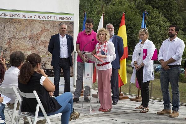 "Foto noticia Investigacion ""Cueva delPendo"""